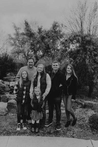Loupe Family-BW-44.jpg