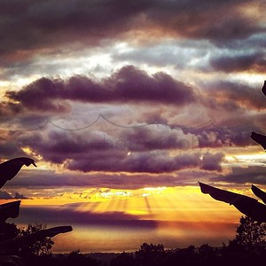Angelic moments... #angels #sunset #maui #keokeagirl #thursday #westside