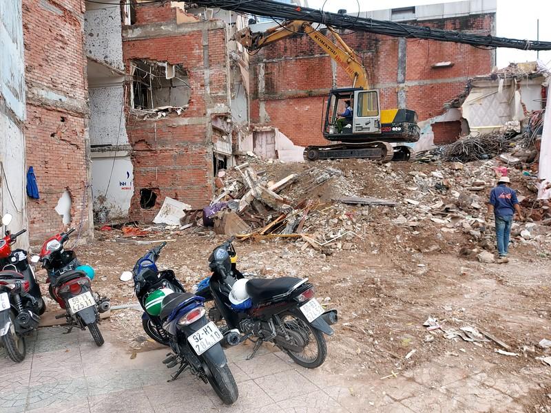 20201025_112355-dan-chu-metro-2-demolition.jpg