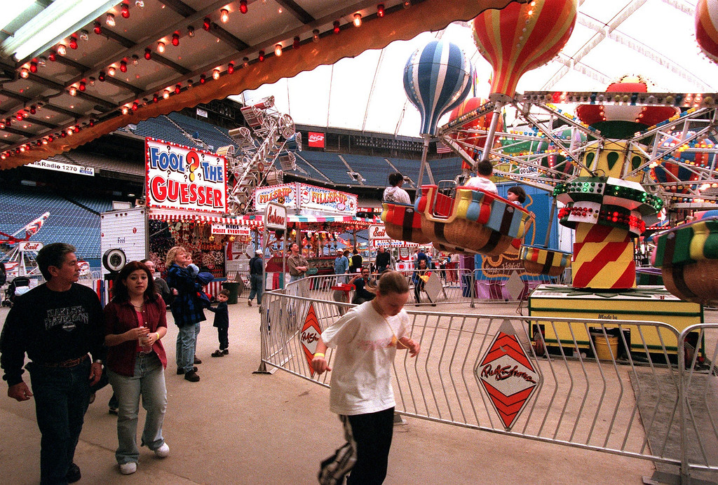 . The crowds were light at the Pontiac Silverdome Fair this afternoon.