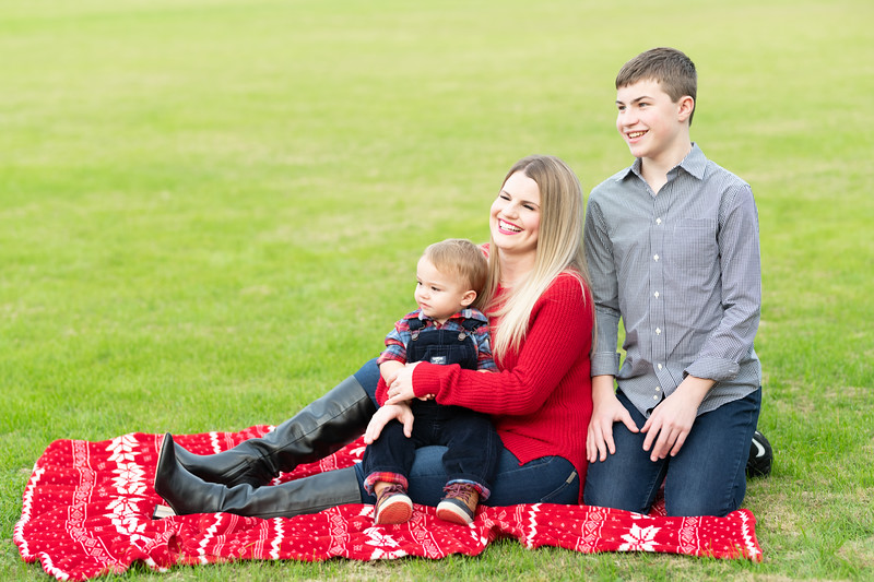 Clark and Steph Family -6095.jpg