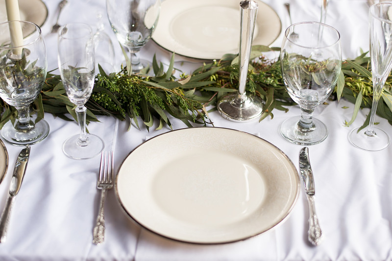 wedding-table-setting.jpg