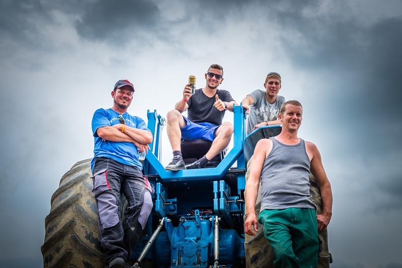 Tractor Pulling 2015 XE2-2583.jpg