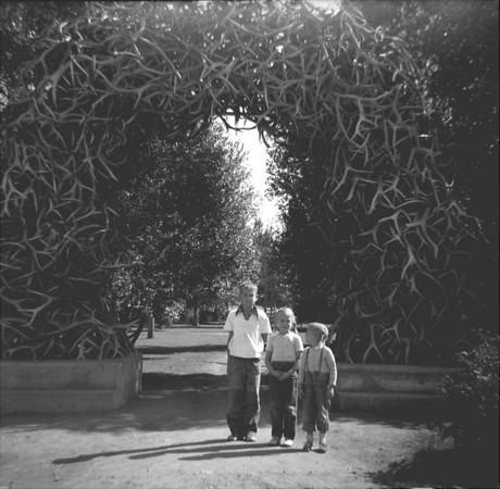 1953-e-Phil,Sue,TJ Antler arch.jpg
