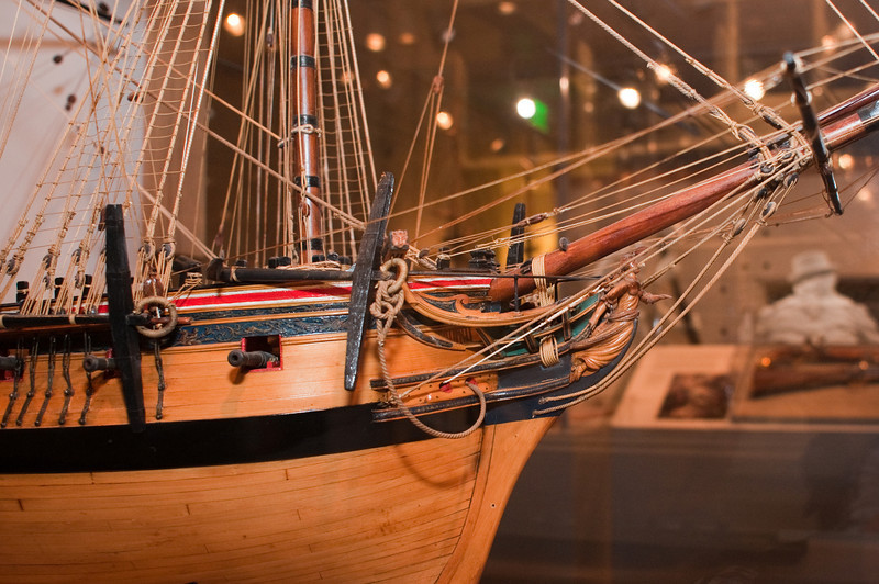 2009-10-03 - USNA Museum - 023 - British 5th Rate 36-Gun Ship of 1783 (figurehead) - _DSC7401.jpg