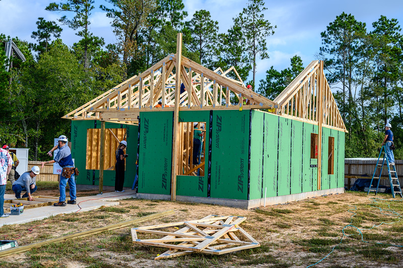 Don Rueter - Habitat Truss Raising-10.jpg
