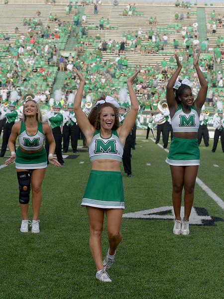 cheerleaders7050.jpg