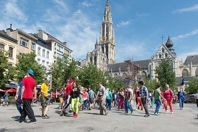 Berkenbeek - Flashmob met de leerlingen 2014