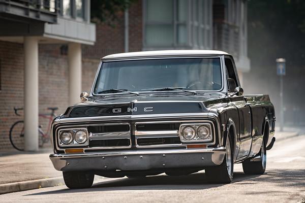 GMC Black - Pickup