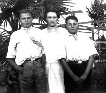 Carl, Annie & Lyle Foote
