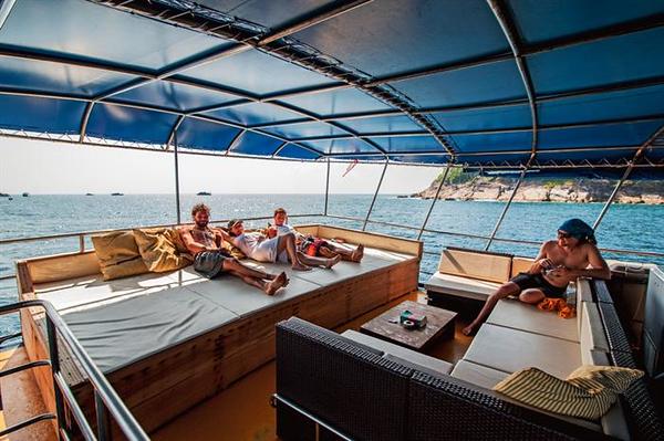Leisure Deck.jpg