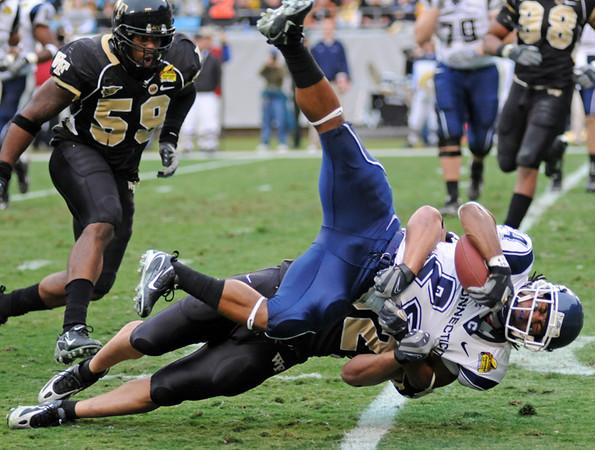 Aaron Mason tackle.jpg