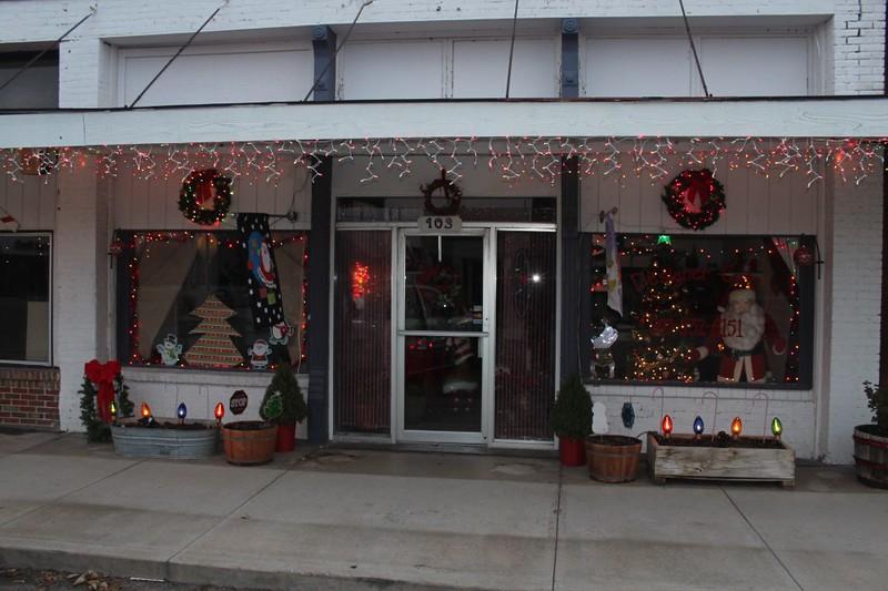 2014 1207 Howe Christmas Decorations (10).jpg