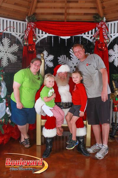 Santa 12-10-16-98.jpg