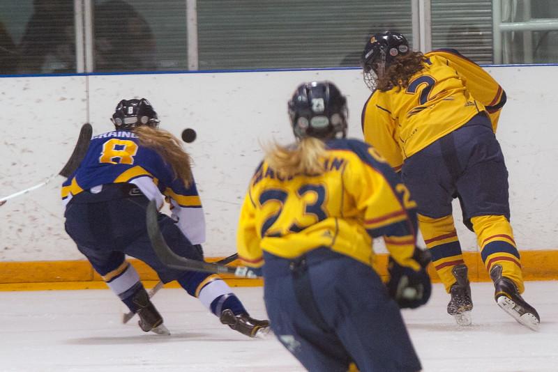 20130310 QWHockeyvsUBC 175.jpg
