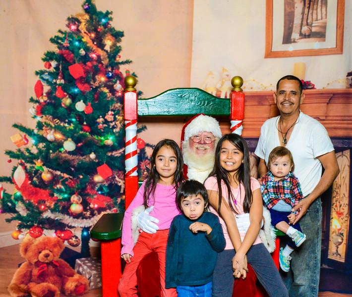 Santa Elmore 2016-12160.jpg