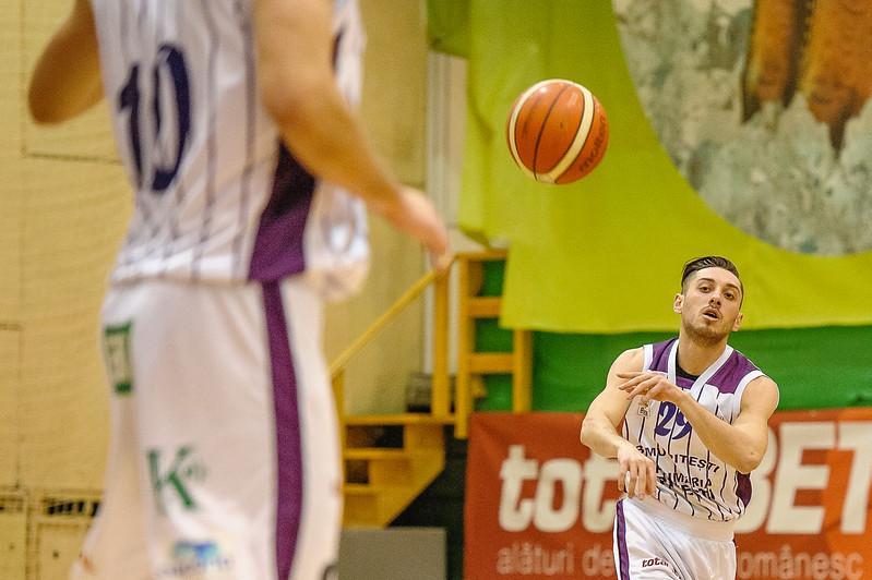 Meciul de baschet masculin dintre BCMU Pitesti - BC SCM Timișoara