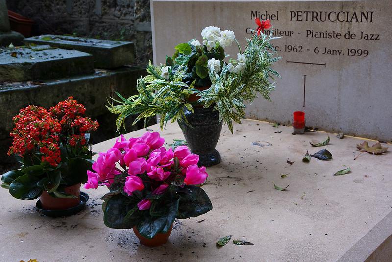 Paris Cemetary Petrucciani0446.jpg