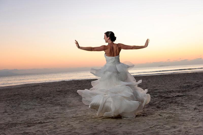 Camille-Enrique-3-Newlyweds-38.jpg