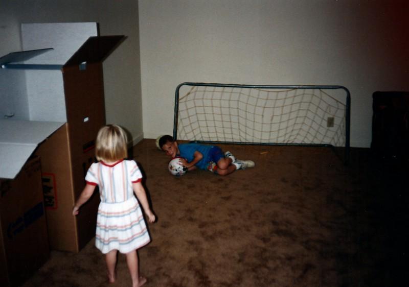 1991_Spring_Orlando_Amelia_birthday_some_TN_0022_a.jpg