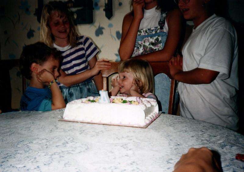1991_Spring_Orlando_Amelia_birthday_some_TN_0018_a.jpg