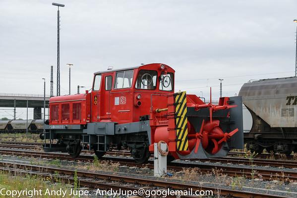(40 80 9475) BA831 Belihack Schneeschleuder