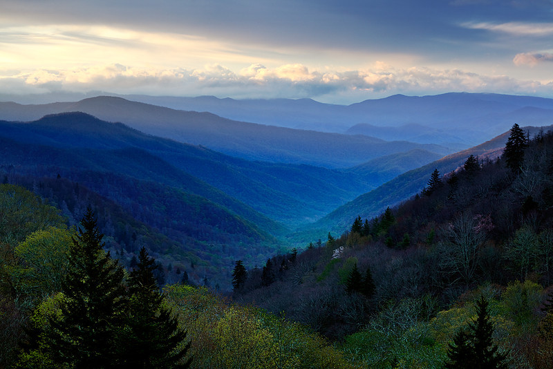 Rays Over Ridges - Oconaluftee Overlook (Great Smoky Mountains National Park)
