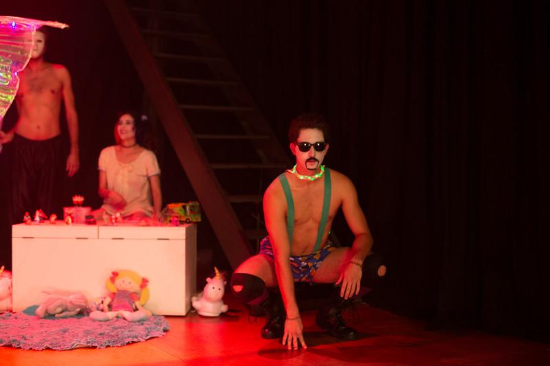 Allan Bravos - essenCIA Teatro - Persona 07-213.jpg