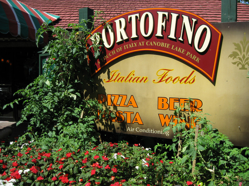 The Portofino landscaping had tomato and pepper plants.