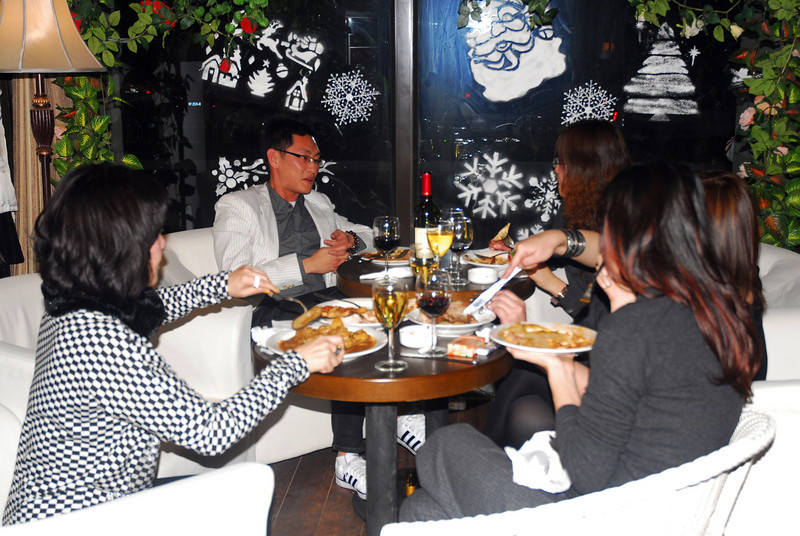 Will & Sigrid's Christmas Party 2009 @ Seasons Cafe, Beijing - December 25, 2009