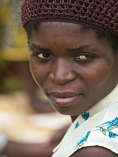 Thoughtful Woman from the Cooperation. Makumba Village, Kalomo District, Zambia. (Foto: Geir)
