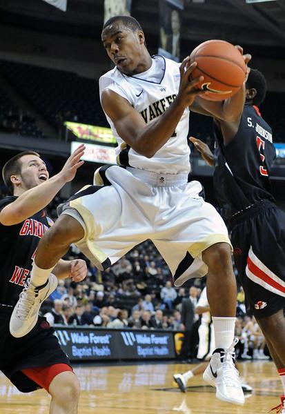 Tony Chennault rebound.jpg