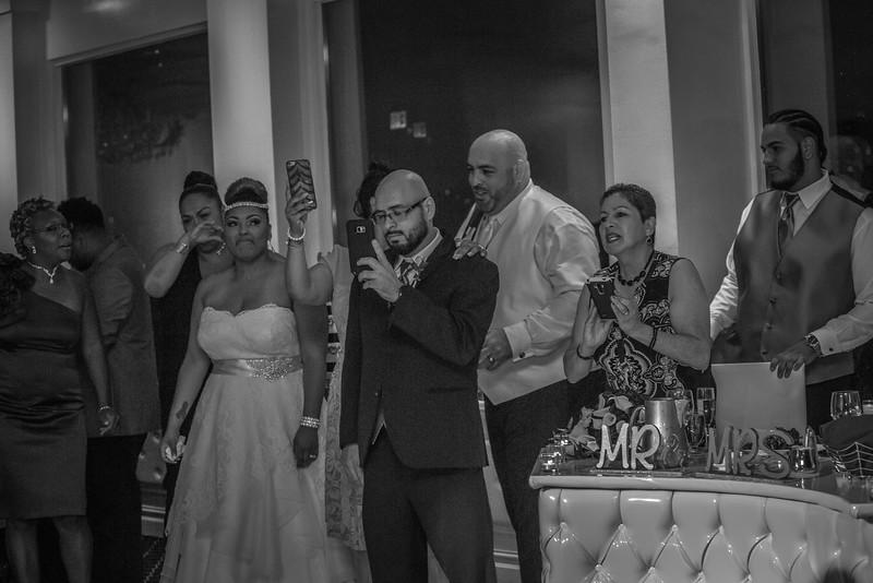 MEG_5627_tonya_josh_new jerrsey wedding photography.jpg
