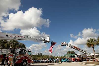 01-24-12 Everglades Wreath Laying For Victims of Violent Crimes by Omar Vega