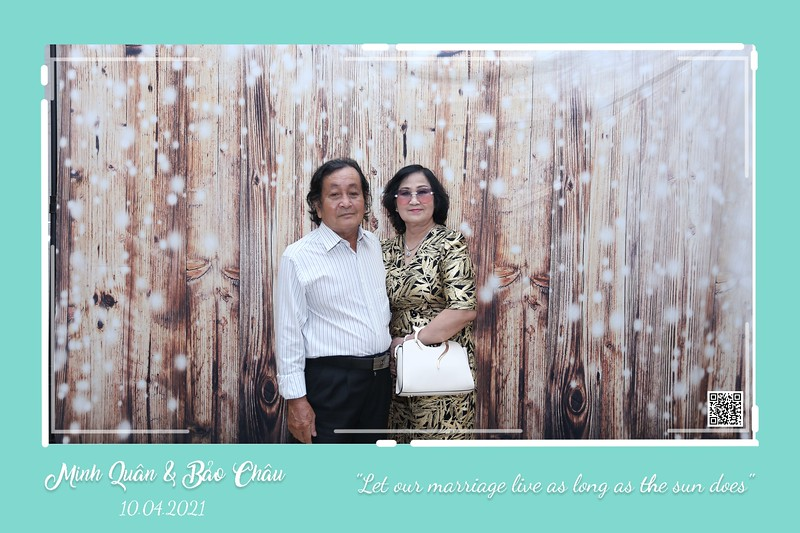 QC-wedding-instant-print-photobooth-Chup-hinh-lay-lien-in-anh-lay-ngay-Tiec-cuoi-WefieBox-Photobooth-Vietnam-cho-thue-photo-booth-125.jpg