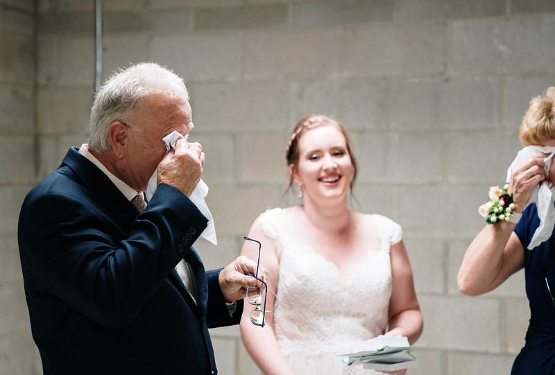 rustic_ohio__fall_barn_wedding-173.jpg