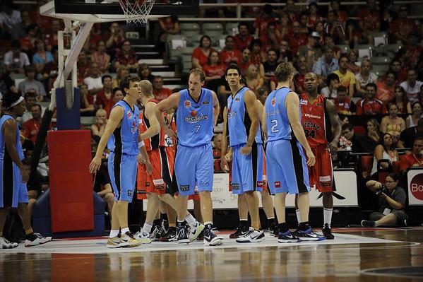 Perth Wildcats defeat NZ Breakers 08/01/2010