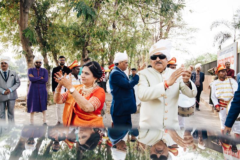 Poojan + Aneri - Wedding Day EOSR Card 1-0856.jpg