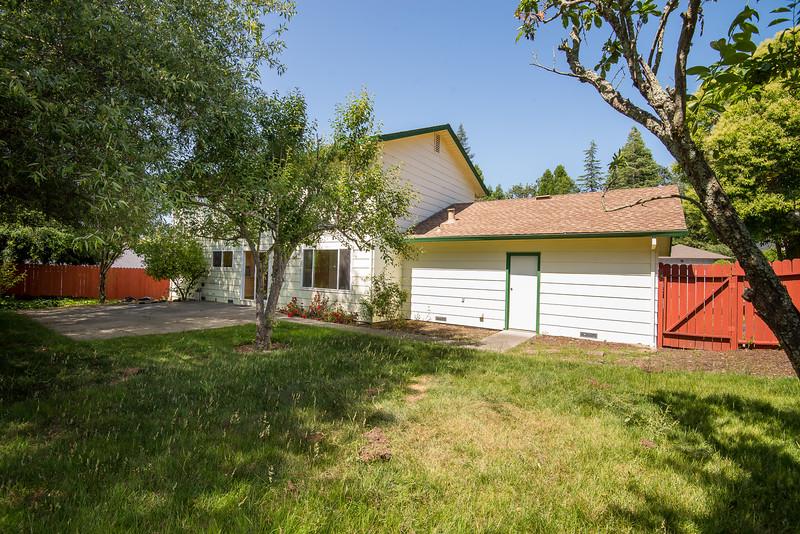 DSC_4543_rear_house.jpg
