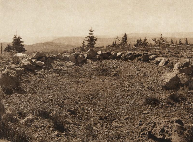 Shrine of Yellow Cloud Man on Tsikumupi - Tewa (The North American Indian, v. XVII. Norwood, MA, The Plimpton Press,  1926)