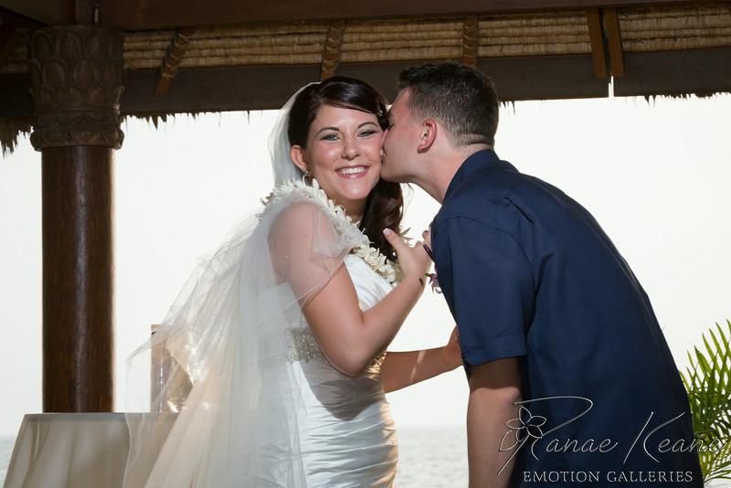 111__Hawaii_Destination_Wedding_Photographer_Ranae_Keane_www.EmotionGalleries.com__140705.jpg