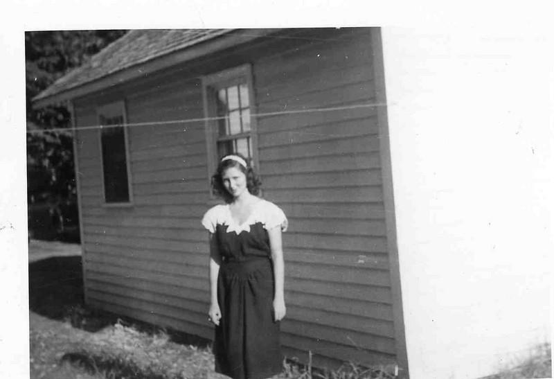 Grandma Jean Aug. 10- 1946.jpg