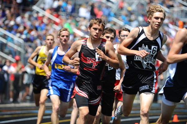 D4 Boy's 1600 Meters - 2018 MHSAA LP T&F Finals