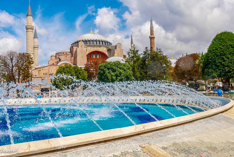 daylight fountain mosque.jpg