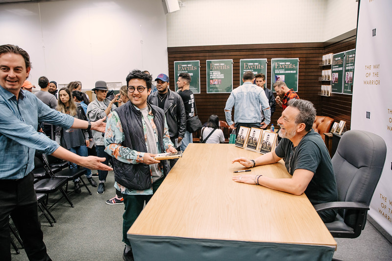2019_2_28_TWOTW_BookSigning_SP_201.jpg