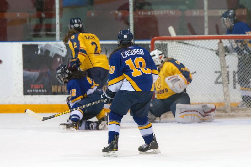 20130310 QWHockeyvsUBC 491.jpg