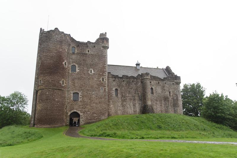 Duone Castle (Castle Leoch) - 01.jpg