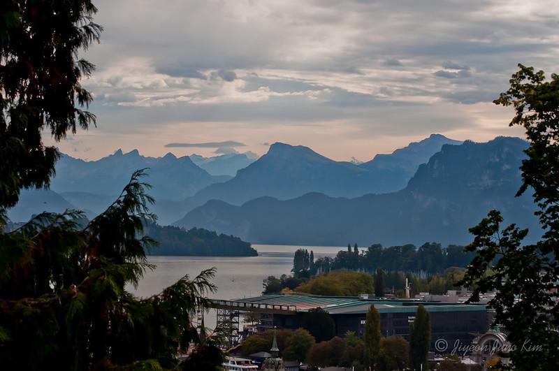 Switzerland-lucerne-mountain.jpg