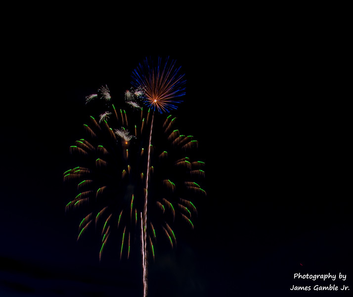 Fourth-of-July-Fireworks-2016-0301.jpg