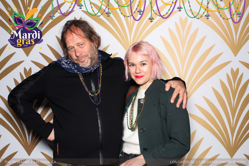 LOS GATOS DJ - The Bywater's Mardi Gras 2021 Photo Booth Photos (beads overlay) (7 of 29).jpg